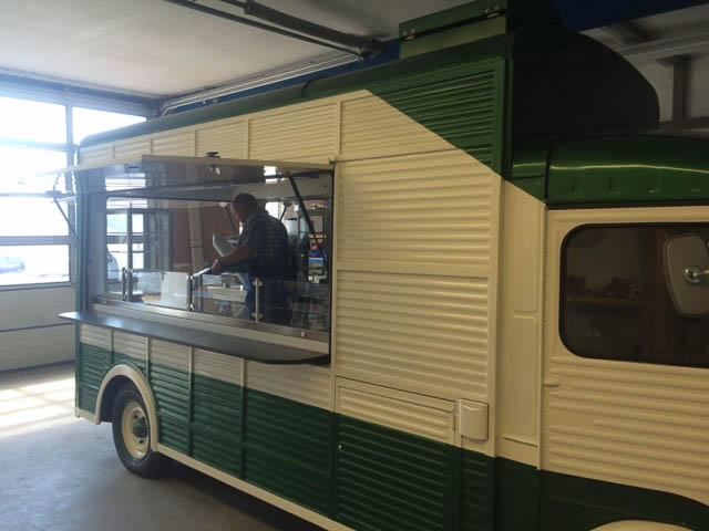 Küchengeräte für Food Trucks